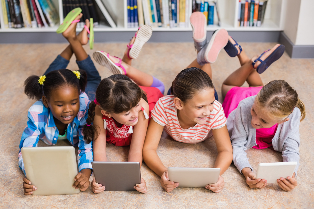 Can Parents Use Apps to Help a Five Year Old Read?